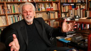 KEY Alejandro-Jodorowsky-interview-shot-021-0-800-0-450-crop